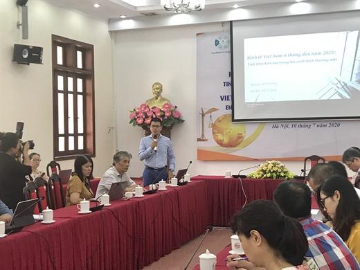Ông Nguyễn Anh Dương, Trưởng Ban Nghiên cứu tổng hợp (CIEM) phát biểu tại hội thảo