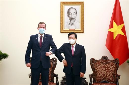 Phó Thủ tướng Phạm Bình Minh tiếp Bộ trưởng Bộ Thương mại, Đầu tư và Du lịch Australia Dan Tehan.